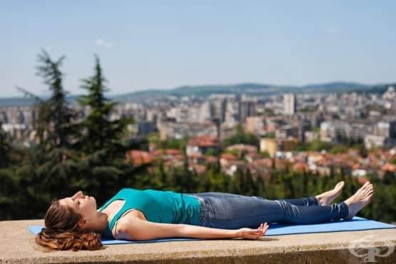 Лесни йога пози в помощ на хората страдащи от безсъние - изображение