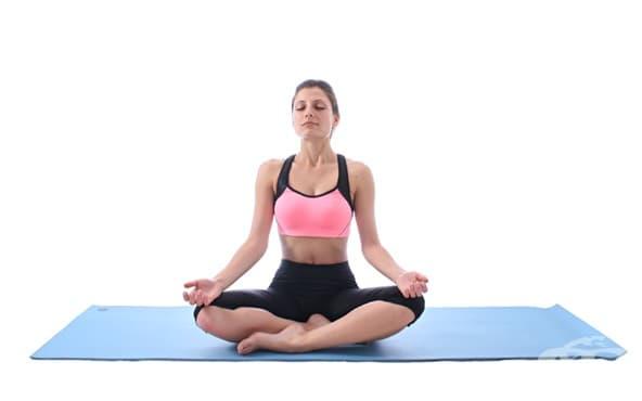 7 йога упражнения за нервната система, с които да я укрепите и балансирате - изображение