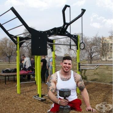 Историята на Закари Рул - треньорът по CrossFit® с ампутирани крака - изображение
